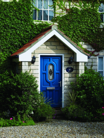 蓝色彩绘硬木外门